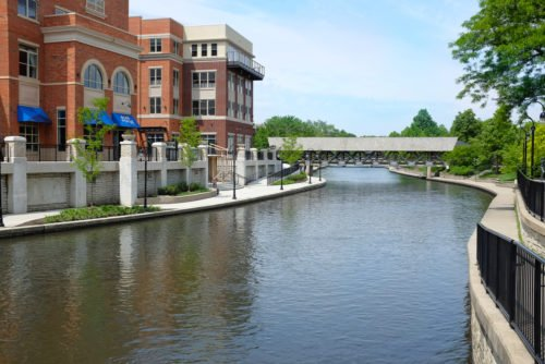 Four Reasons to Invest in the Chicago Suburbs