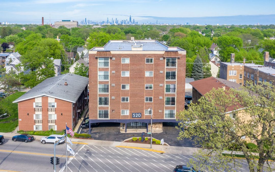 Kiser Group brings 50-unit Forest Park Apartment building to market