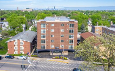 Forest Park apartment building seeks $9.8M buyer
